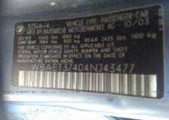2004 BMW 325 - WBAET37404NJ43477 engine view