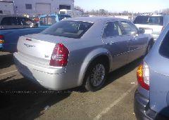 2010 Chrysler 300 - 2C3CA4CD1AH251420 rear view