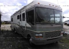 1999 FORD F550 - 3FCNF53S3XJA36921 Left View