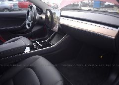 2018 Tesla MODEL 3 - 5YJ3E1EA7JF011019 close up View