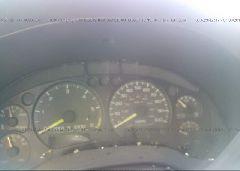 1998 GMC JIMMY - 1GKCT18W7WK507711 inside view