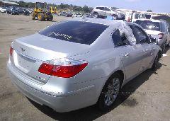 2009 Hyundai GENESIS - KMHGC46E09U054741 rear view
