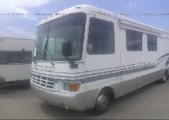 1999 FORD F550 - 3FCMF53S8XJA32360 Right View