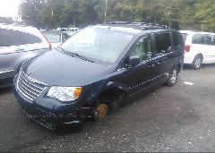 2008 Chrysler TOWN & COUNTRY - 2A8HR54P28R713134 Right View