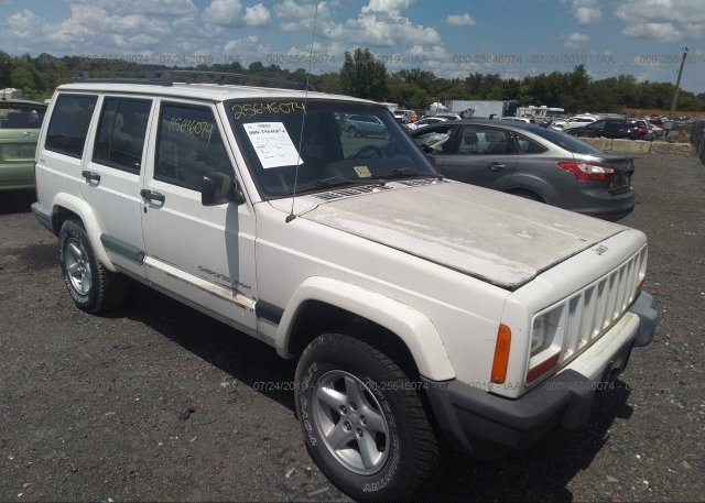 1J4FF68S4XL552721, Clear white Jeep Cherokee at CULPEPER, VA