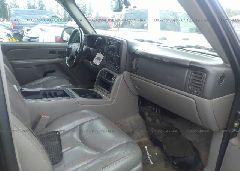 2004 Chevrolet TAHOE - 1GNEK13Z14J323304 close up View