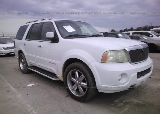 Inventory #840113132 2004 Lincoln NAVIGATOR