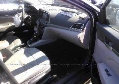 2018 Hyundai ELANTRA - 5NPD84LF8JH265528 close up View