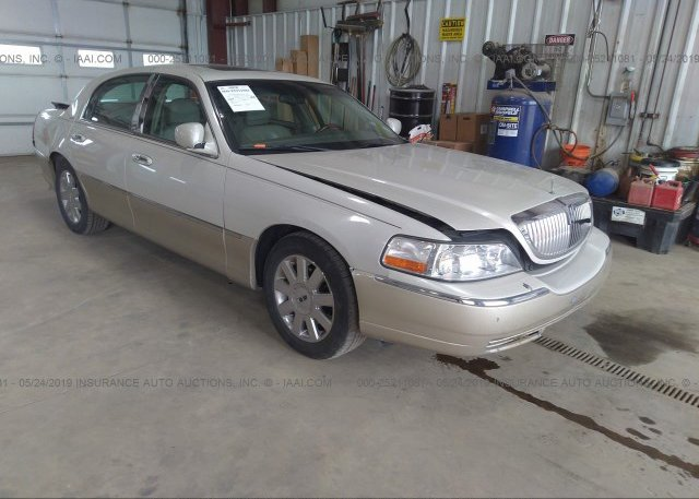 Inventory #653551099 2005 Lincoln TOWN CAR
