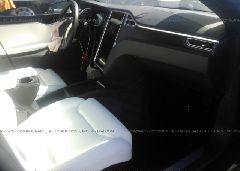 2018 Tesla MODEL S - 5YJSA1E24JF243528 close up View