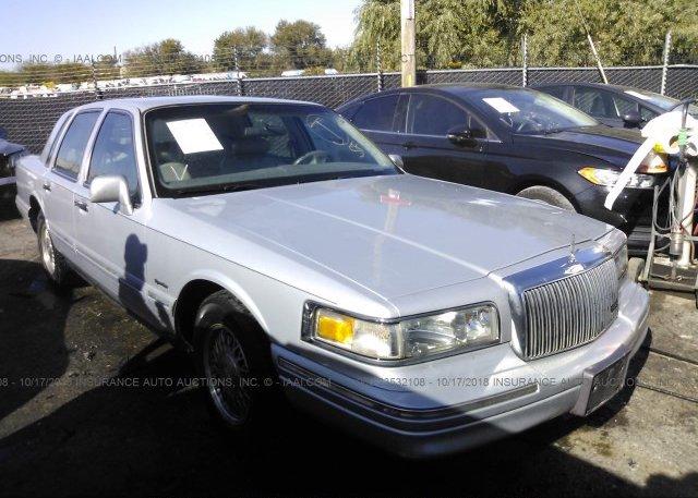 1lnhm81w36y604589 Clear White Lincoln Town Car At Culpeper Va On