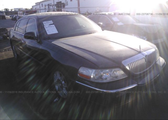 Inventory #765965445 2011 Lincoln TOWN CAR