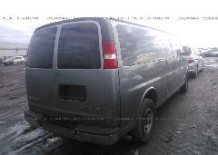 2006 Chevrolet EXPRESS G3500 - 1GAHG39UX61272718 rear view