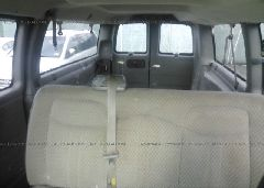 2006 Chevrolet EXPRESS G3500 - 1GAHG39UX61272718 front view