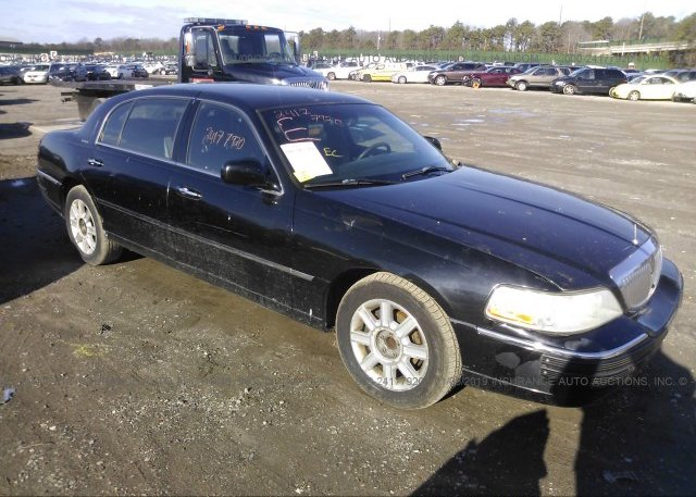 Inventory #981846057 2007 Lincoln TOWN CAR
