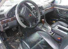 2001 BMW 740 - WBAGG834X1DN88763 close up View