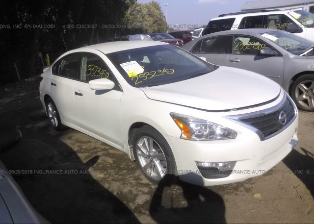 1n4al3ap6dn438934 Salvage White Nissan Altima At Indianapolis In