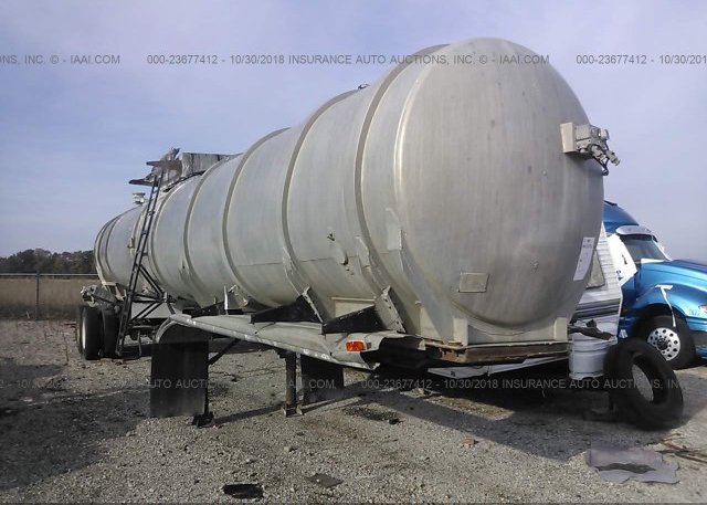 00000000007628625 Salvage Silver Butler Tanker At Lincoln Il On