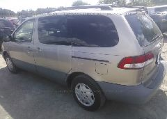 2002 Toyota SIENNA - 4T3ZF19C52U463095 [Angle] View