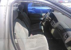 2002 Toyota SIENNA - 4T3ZF19C52U463095 close up View