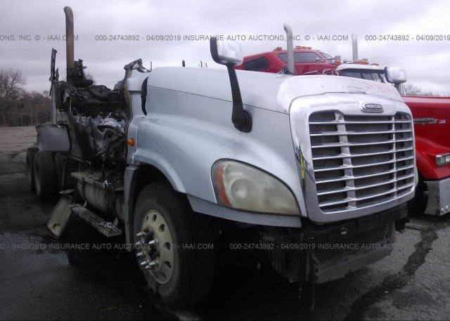 Inventory #864786806 2010 FREIGHTLINER CASCADIA 125