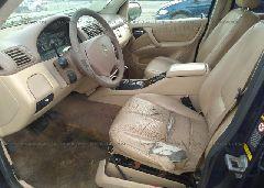 2000 Mercedes-benz ML - 4JGAB54E8YA178578 close up View