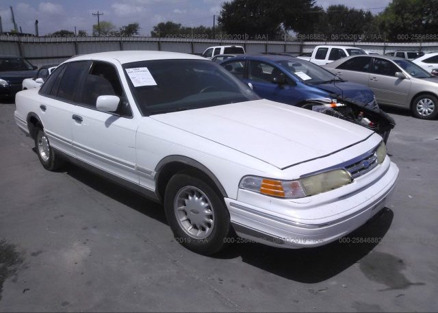 Inventory #983068387 1997 FORD CROWN VICTORIA