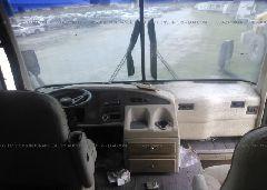 1998 ROADMASTER RAIL DYANASTER - 1RF120511W2015340 close up View
