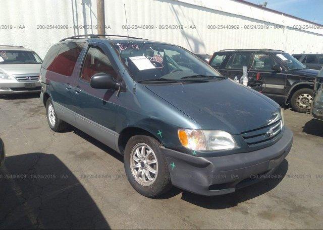 Inventory #113571928 2002 Toyota SIENNA