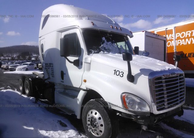 Inventory #575457388 2014 FREIGHTLINER CASCADIA 125