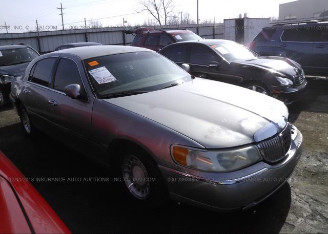 Inventory #512485634 2001 Lincoln TOWN CAR