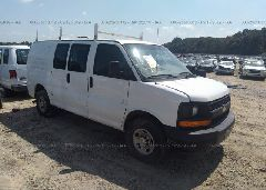 2014 Chevrolet EXPRESS G2500 - 1GCWGFBA3E1100657 Left View