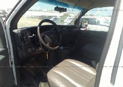 2014 Chevrolet EXPRESS G2500 - 1GCWGFBA3E1100657 close up View