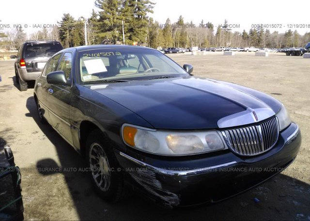 1lnhm82wxyy919102 Clear Green Lincoln Town Car At Templeton Ma On