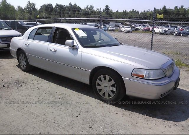 1lnhm85w44y640914 Original Silver Lincoln Town Car At Gorham Me On