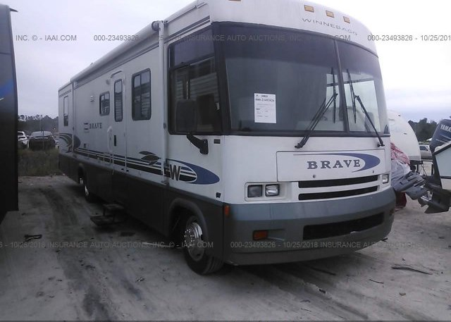 Inventory #196083213 200 WINNEBAGO BRAVE (2000 P30)
