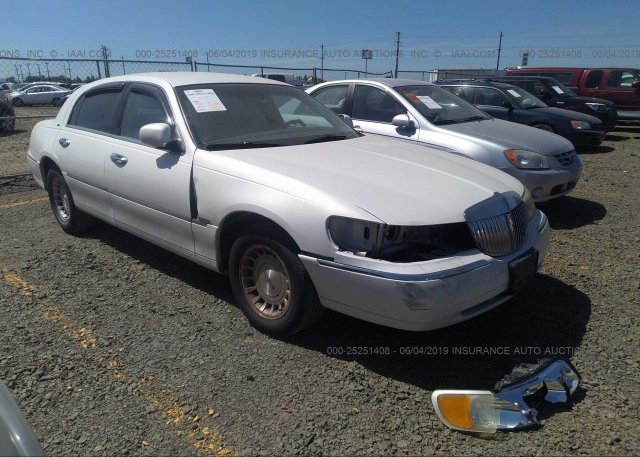 Inventory #916254452 1999 Lincoln TOWN CAR
