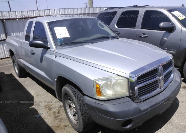 Inventory #646077713 2005 Dodge DAKOTA