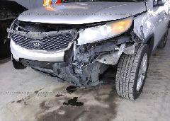 2011 KIA SORENTO - 5XYKT4A29BG045622 detail view