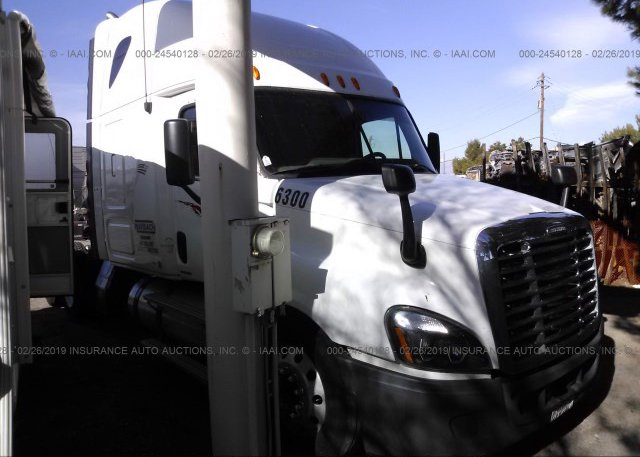 Inventory #908215648 2010 FREIGHTLINER CASCADIA 125