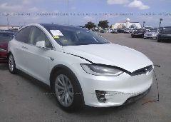 2018 Tesla MODEL X - 5YJXCAE28JF090040 Right View