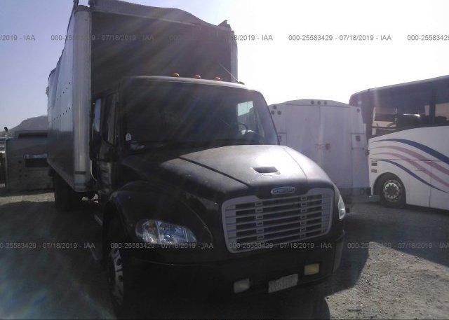 Inventory #528368922 2004 FREIGHTLINER M2