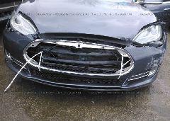 2014 Tesla MODEL S - 5YJSA1H13EFP51899 detail view