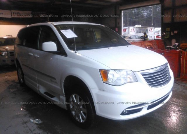Inventory #933001481 2015 Chrysler TOWN & COUNTRY