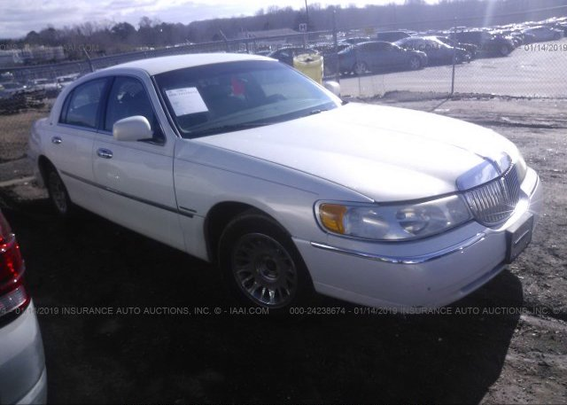 Inventory #617590377 1998 Lincoln TOWN CAR