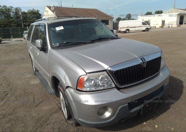 Inventory #124085121 2004 Lincoln NAVIGATOR