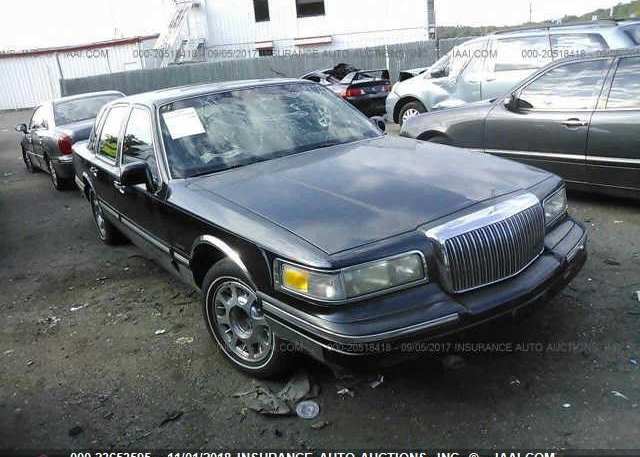 1lnhm82w53y676257 Clear Dealer Only White Lincoln Town Car At
