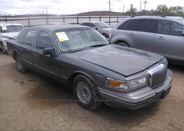 1lnhm88w36y649859 Salvage Green Lincoln Town Car At Medford Ny On