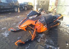 2014 ARCTIC CAT SNOWMOBILE - 4UF14SNW0ET113432 Right View
