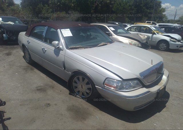 Inventory #305777593 2004 Lincoln TOWN CAR